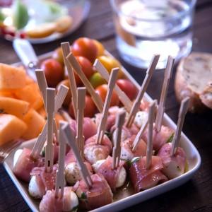 Brochettes de Mozarella au Jambon cru モッツアレラチーズと生ハムのブロシェット